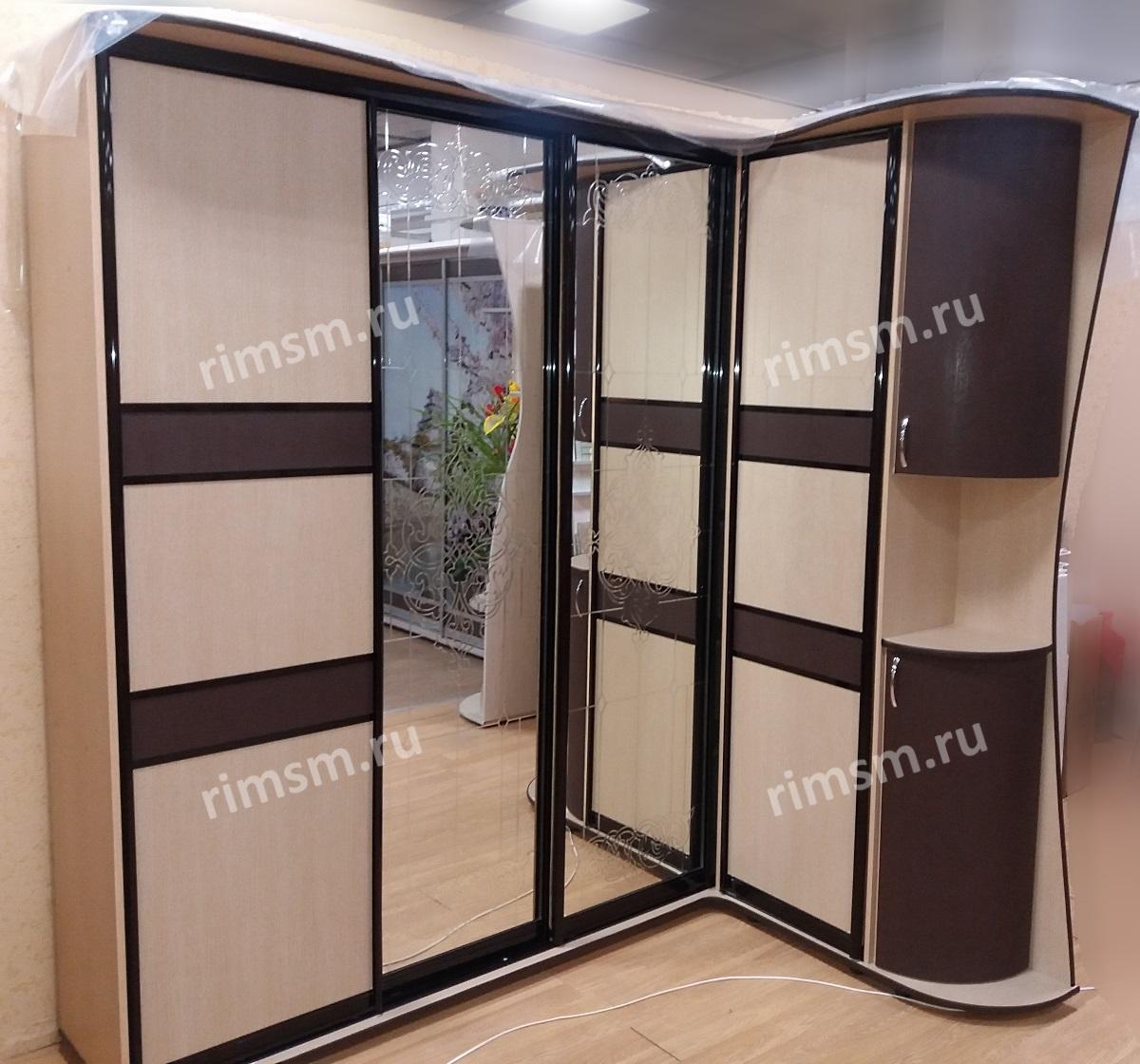 шкаф-купе с прямым углом
